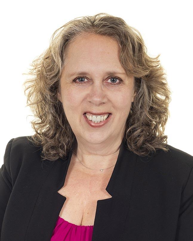 Julie Hunter, Celebrant
